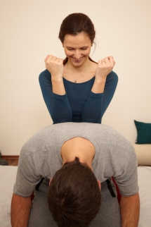 Treatment of your back in a seated position