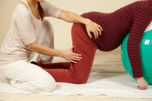 Shiatsu during pregnancy in all fourth position